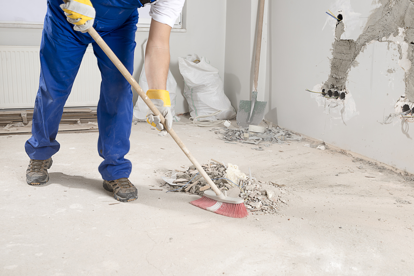 Post construction cleaning cameo services inc for Cleaning concrete dust